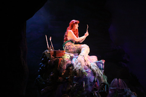 A Pequena Sereia durante o show Voyage of the Little Mermaid