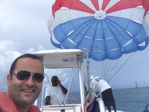 Na lancha do parasailing em Castaway Cay