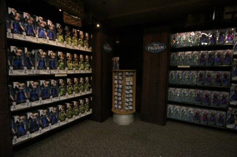 Bonecas de Frozen na Wandering Oaken's Trading Post