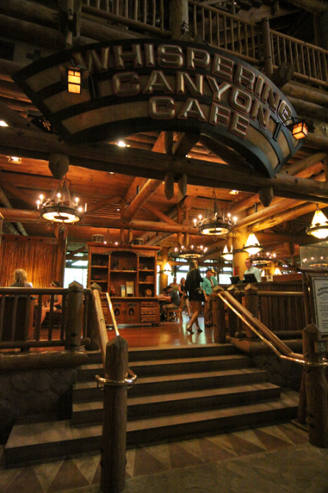 Entrada do Whispering Canyon Cafe