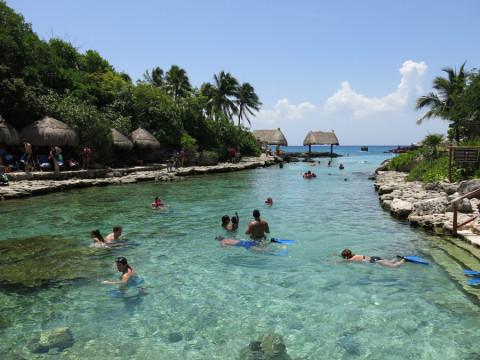 Uma das piscinas que se formam dentro do parque: água perfeita!