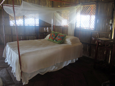 Dentro da nossa cabana no Yandup Lodge, em San Blás