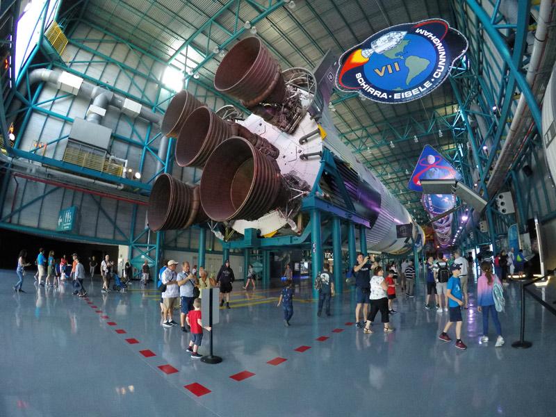 O foguete Saturn V é muito impressionante