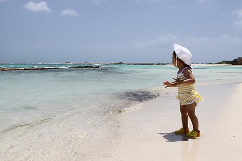 Julia curtindo a Baby Beach em Aruba