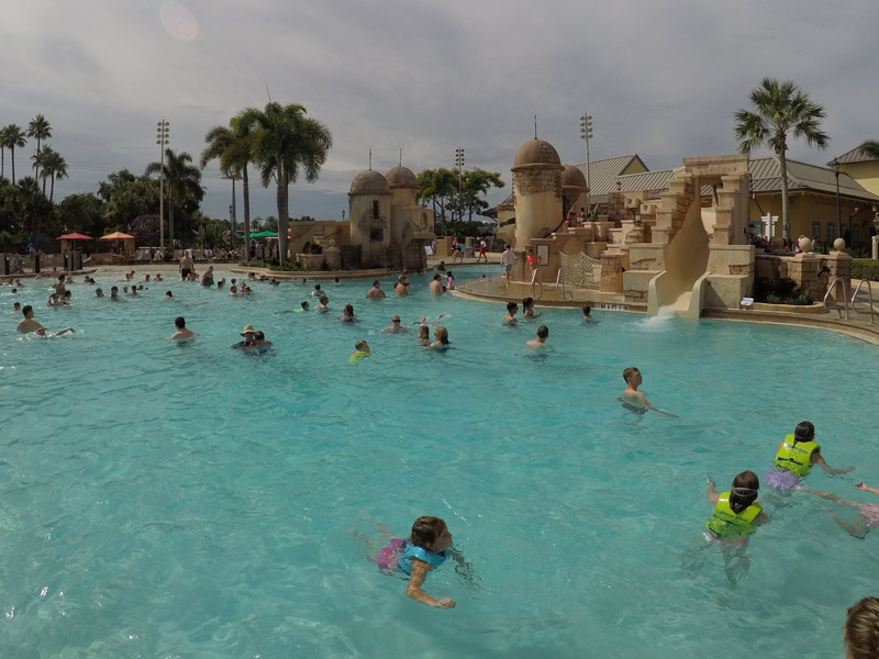 disney-caribbean-beach-resort-piscina-principal