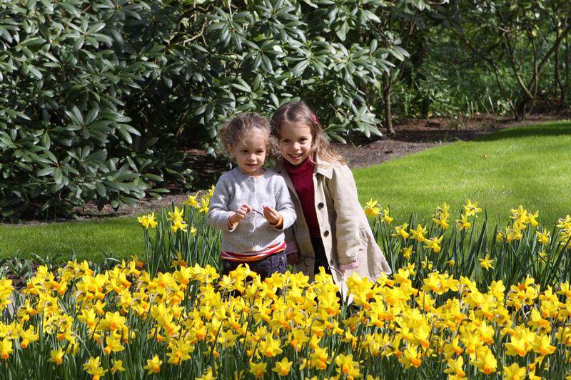 Julia e Carol no Keukenhof, em Lisse, Holanda
