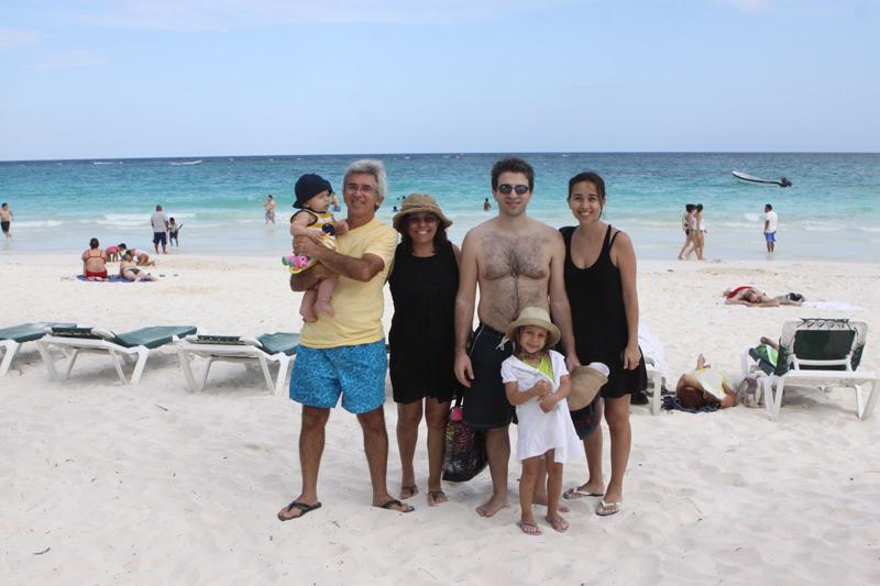 Família toda em Tulum