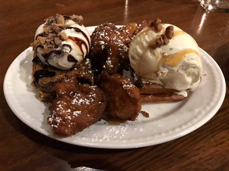 Sobremesas do Liberty Tree Tavern, restaurante no Magic Kingdom