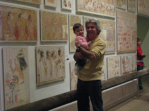 Julia no Metropolitan em NY com meu pai